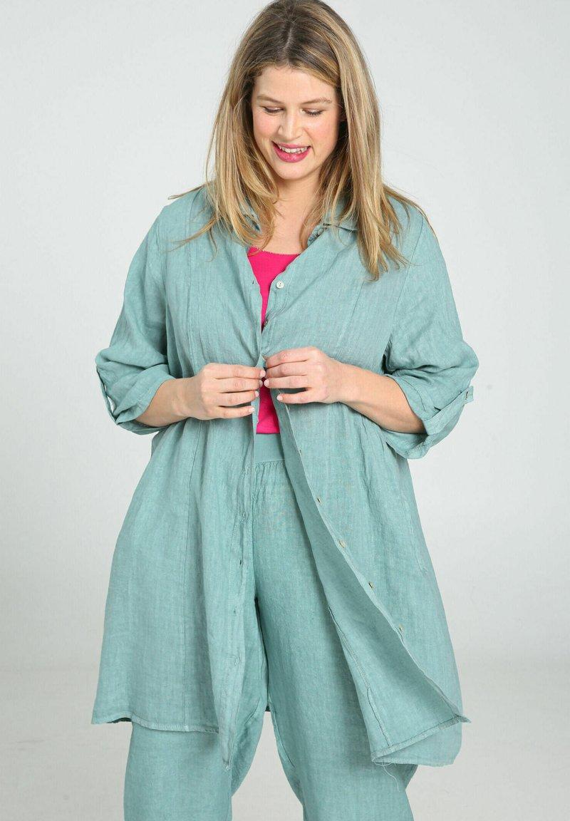 Paprika - Button-down blouse - mint