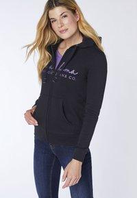 Oklahoma Jeans - REGULAR FIT - Zip-up hoodie - 19-3911 deep black - 3