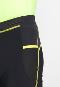La Sportiva - FREEDOM TIGHT SHORT - Tights - black/yellow - 5