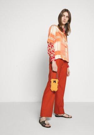 PORTACELLULARE CROCHET - Across body bag - orange
