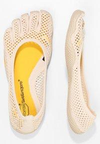 Vibram Fivefingers - Chaussures d'entraînement et de fitness - white cap - 1