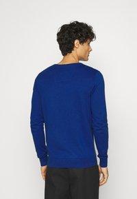 TOM TAILOR - BASIC CREW NECK - Jumper - bright blue melange - 2
