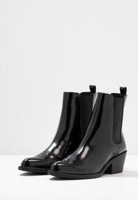 Monki - KENDALL BOOT - Bottines - black - 4