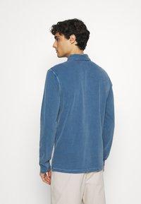 Marc O'Polo - LONG SLEEVE FLATLOCK DETAILS - Polo shirt - deep dive - 2