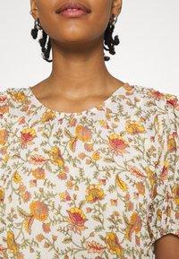 ONLY - ONLDAHLIA - Print T-shirt - creme brûlée - 5