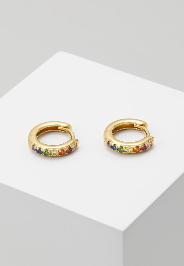 RAINBOW PAVE HUGGIE HOOP - Pendientes - gold-coloured