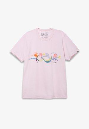 MN VANS X CHRIS JOHANSON FLORAL SS - T-shirt con stampa - powder pink