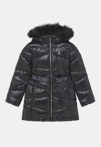 Calvin Klein Jeans - BELTED LONG COAT - Daunenmantel - black - 0