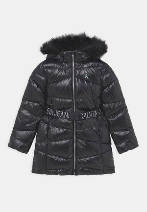 BELTED LONG COAT - Kabát zprachového peří - black