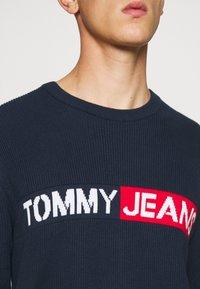 Tommy Jeans - BOLD LOGO SWEATER - Jumper - twilight navy - 4