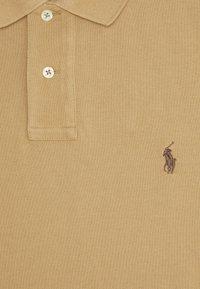 Polo Ralph Lauren - SLIM FIT MESH POLO SHIRT - Polo - luxury tan - 2