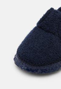 Nanga - MOUNTAIN - Slippers - dunkelblau - 5