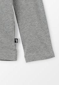 Puma - LOGO LONGSLEEVE  - Long sleeved top - medium grey heather - 2