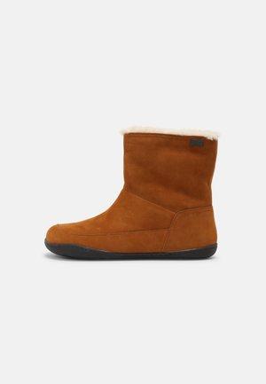 PEU CAMI - Winter boots - medium brown