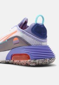 Nike Sportswear - NIKE AIR MAX 2090  - Sneakers laag - white/bright mango/purple dust/light thistle - 6