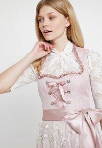 Country Line - Dirndl - rose creme - 4
