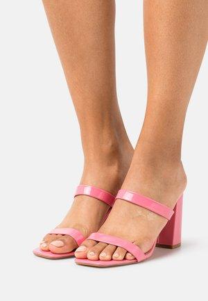 FLOSSIE - Slip-ins med klack - pink