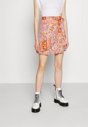 VICITY FESTIVAL WRAP SKIRT - Wrap skirt - lavender