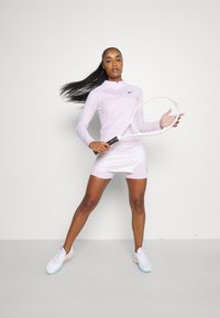 Nike Performance - Topper langermet - regal pink/black - 1