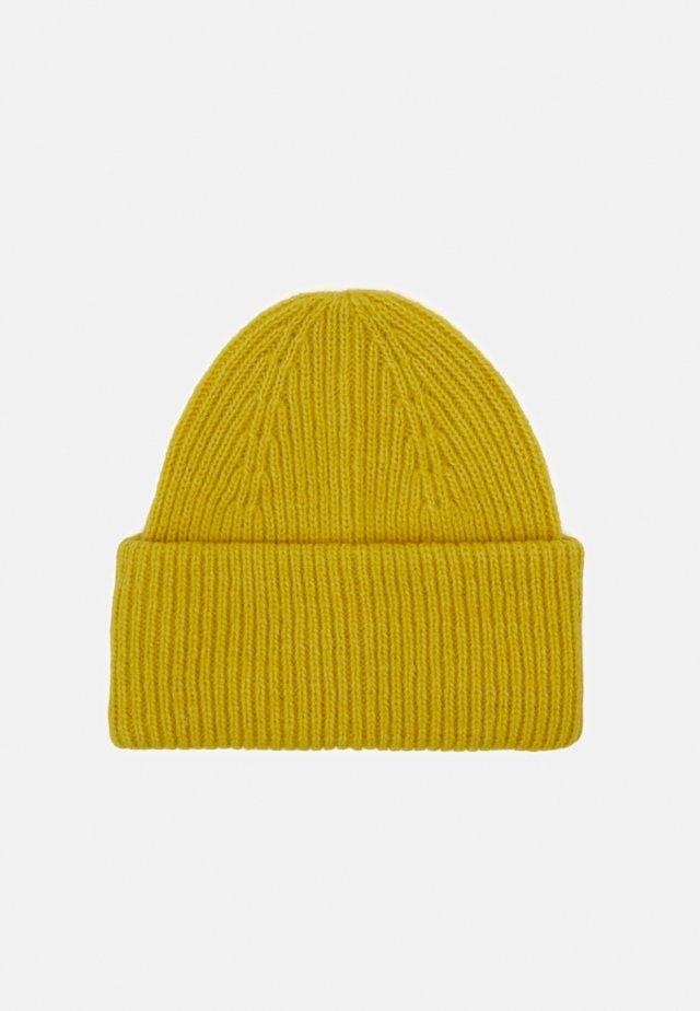 Pipo - yellow