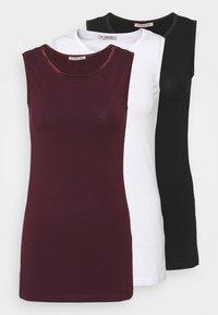 black/white/dark red
