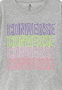Converse - CONVERSE OUTLINED REPEATL TEE - Top sdlouhým rukávem - grey - 2