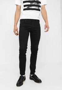 Diesel - SLEENKER - Slim fit jeans - 069ei - 0