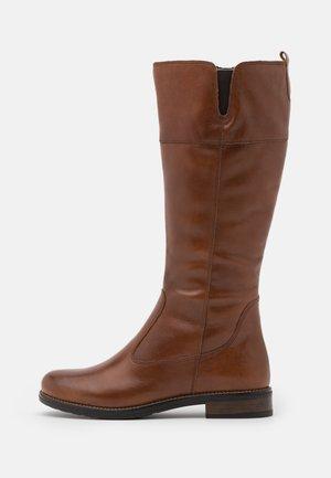 Vysoká obuv - brown