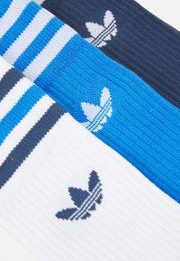 adidas Originals - CREW SOCKS 3 PAIRS - Sokken - white/true blue/crew navy - 1