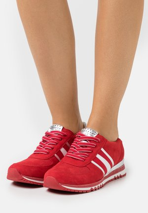 LACE UP - Tenisky - red