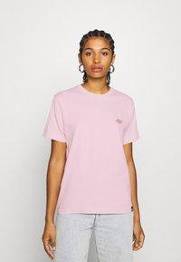 Dickies - STOCKDALE - Camiseta estampada - light pink - 0