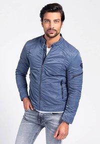 Guess - Light jacket - blau - 0