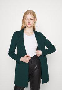 Vero Moda - VMJANEY - Blazer - ponderosa pine - 0