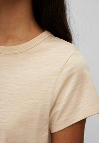 Marc O'Polo DENIM - REGULAR FIT - Basic T-shirt - island beach - 4