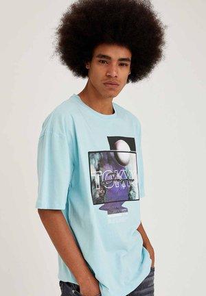 OVERSIZED - Print T-shirt - blue