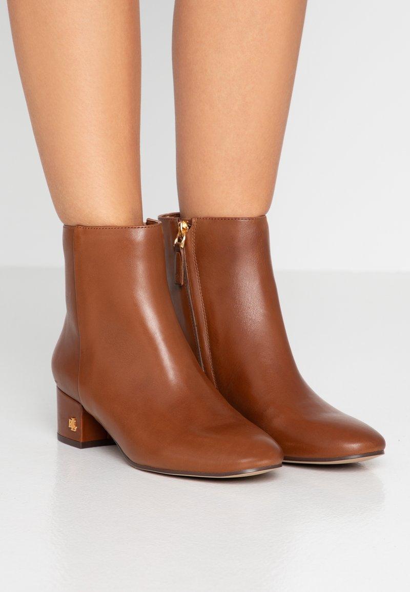 Lauren Ralph Lauren - WELFORD - Kotníkové boty - deep saddle tan