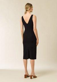 IVY & OAK - BODYCON DRESS - Shift dress - black - 1