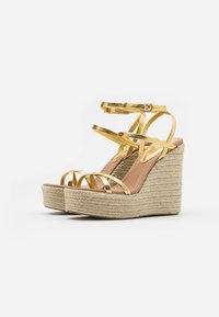 Topshop - WILLA WEDGE - Sandales à talons hauts - gold - 2