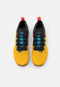 Nike Performance - WILDHORSE 7 - Trail hardloopschoenen - dark sulfur/pure platinum/off noir - 3