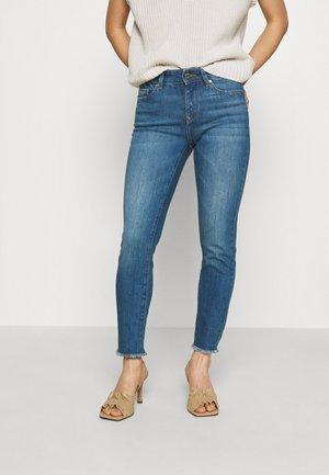 ONLHUSH LIFE  - Skinny džíny - medium blue denim