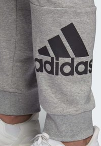 adidas Performance - BADGE OF SPORT FRENCH TERRY JOGGERS - Tracksuit bottoms - grey - 6