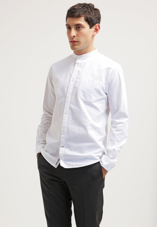SLIM FIT - Koszula - bright white