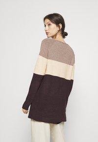 ONLY - ONLLILLO DRESS - Pletené šaty - woodsmoke/oatmeal mel/chicory coffe - 2