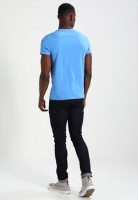 Tommy Hilfiger - STRETCH SLIM FIT TEE - T-shirt basic - regatta - 2