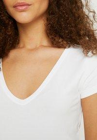 Anna Field Petite - 2 PACK - Basic T-shirt - black/white - 5