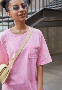Von Dutch - KENDALL - Jersey dress - pink - 2