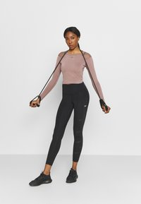 ONLY Play - ONPJABRIL SHORT - Long sleeved top - deep taupe - 1