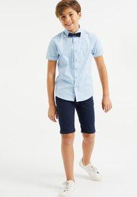 WE Fashion - DESSIN - Shirt - light blue - 0