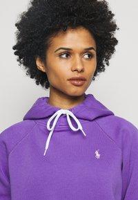Polo Ralph Lauren - LONG SLEEVE - Felpa con cappuccio - spring violet - 3