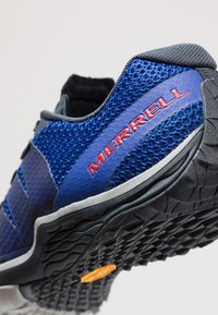 Merrell - TRAIL GLOVE 5 - Trail running shoes - surf the web - 5